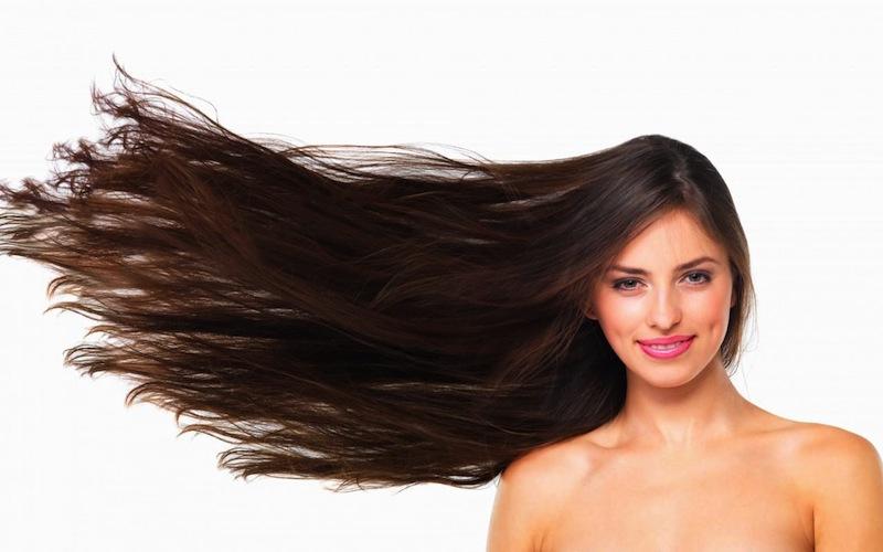 Come asciugare i capelli lisci e lunghi